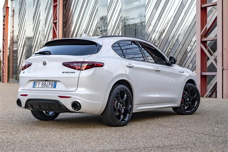 Alfa Romeo Stelvio SUV Q4 AWD 2.2 TD 210PS Veloce 5Dr Auto [Start Stop] [Driver Assistance Plus]