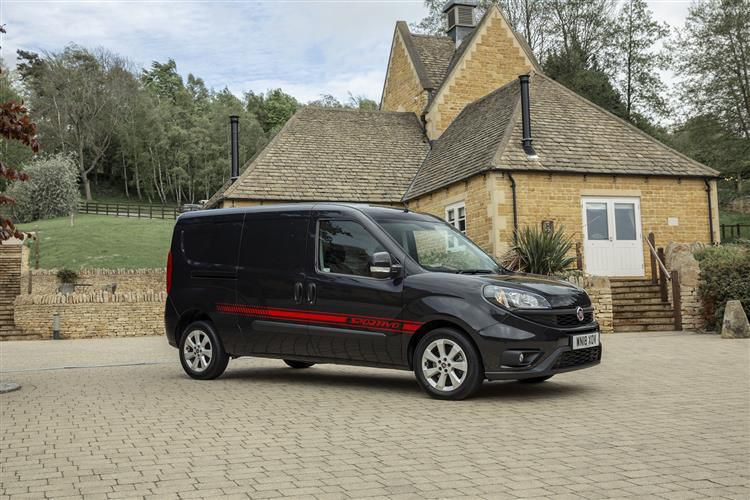 Fiat Doblo Cargo 1.6 MultijetII FWD 105PS SX Van Manual [Start Stop]