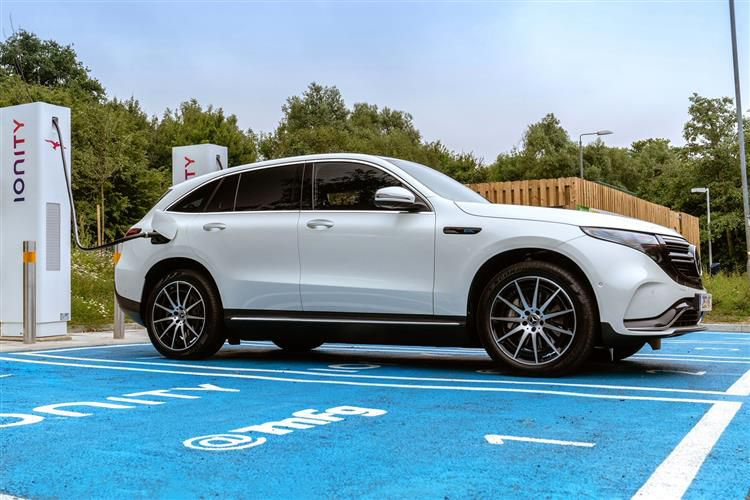 Mercedes-Benz EQC EQC 400 SUV 4MATIC E 80kWh 300KW 408PS AMG Line 5Dr Auto